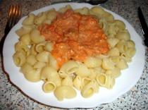 Pâtes au thon et à la tomate
