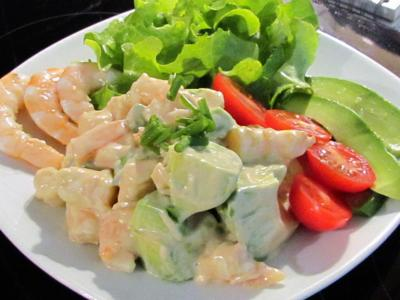 Salade avocat crevettes sauce cocktail 1